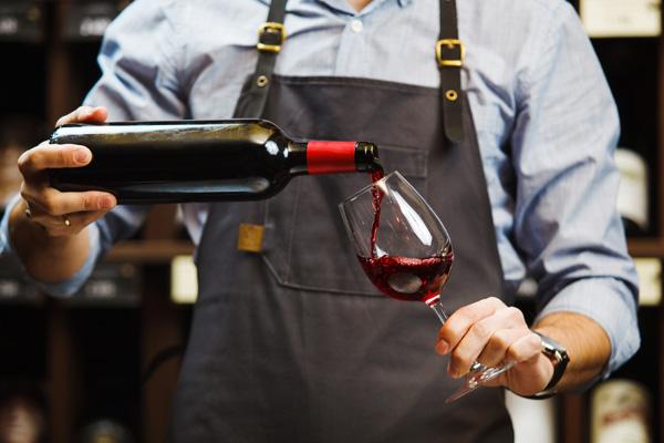 MDC-Weinimport-Leistungen-Mitarbeiterschulung